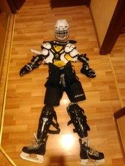 Продам хоккейную форму